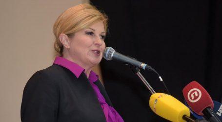 """Grabar-Kitarović u Gospiću: """"Želimo program umjesto poskočica i doskočica"""""""