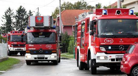 Požar na zagrebačkoj Peščenici: Zapalila se obiteljska kuća, nema ozlijeđenih