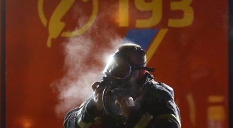 Veliki požar kraj Iloka: Vatrogasci se cijelu noć borili s vatrom u zgradi Iločkih podruma, šteta je ogromna