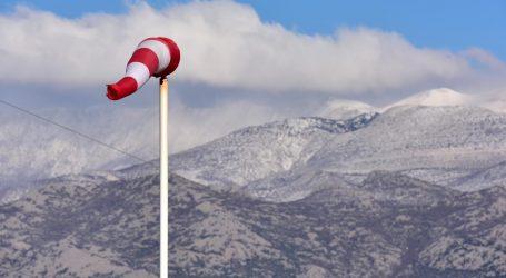 Zbog olujnog vjetra A1 od Sv. Roka do Maslenice otvorena samo za osobna vozila