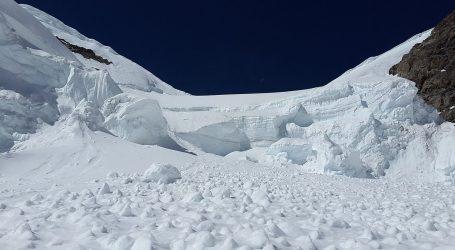 Skijaš preživio nakon pet sati ispod lavine