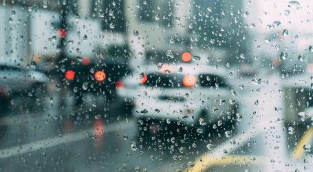 HAK upozorava na mokre i skliske kolnike, pojačan promet na gradskim cestama