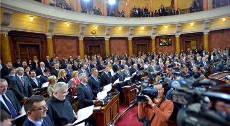 Srbijanski zastupnici umalo se potukli zbog crnogorskog zakona o crkvama