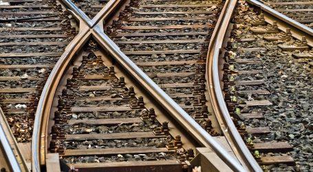 Putnički vlak u Splitu izletio iz tračnica, nema ozlijeđenih
