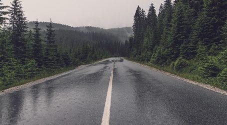 Kolnici u Gorskom kotaru mokri i skliski