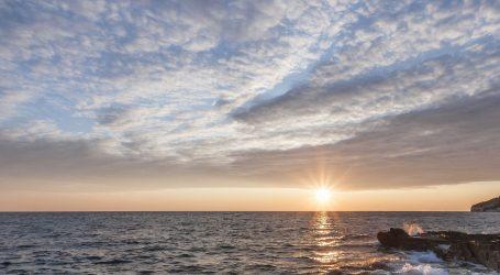 Pretežno sunčano na Jadranu, u unutrašnjosti poslijepodne uz više oblaka