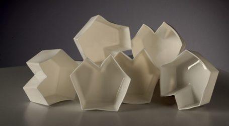 LIKOVNO POVEĆALO: Unutarnja svjetlost keramičkih skulptura u Galeriji ULUPUH