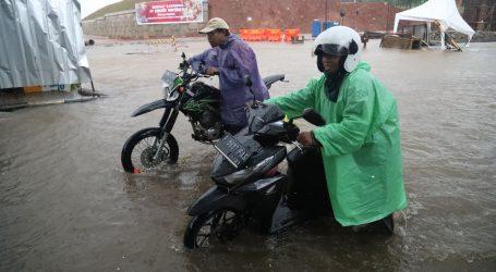 Poplave u Džakarti odnijele 21 život