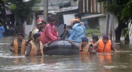 Poplave u Indoneziji: 53 poginulih, 175.000 raseljenih