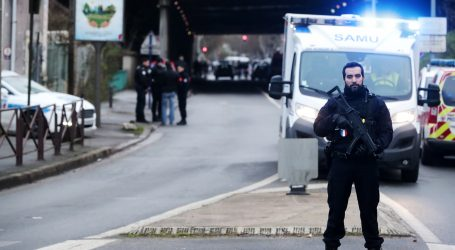 Francuski tužitelji kažu da je napadač nožem bio radikaliziran