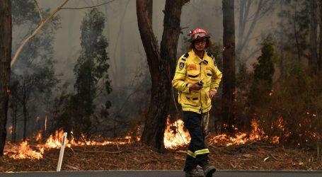 Vlasti pozivaju 240.000 Australaca na evakuaciju zbog širenja požara