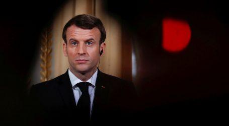 Macron ne popušta, želi da Francuzi rade dvije godine više