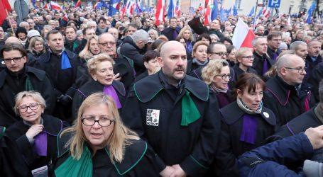 Prosvjedi u Varšavi protiv zakona o stegovnim mjerama za suce