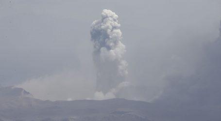 Filipinski vulkan izbacuje lavu, strah od 'opasne erupcije'