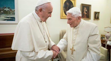 Papa u miru Benedikt XVI. povukao ime sa sporne knjige