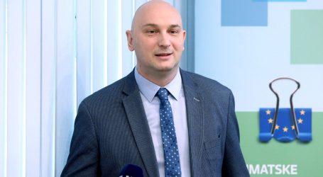 Dekan zagrebačkog FER-a 'očitao bukvicu' ministrima Ćoriću i Paviću