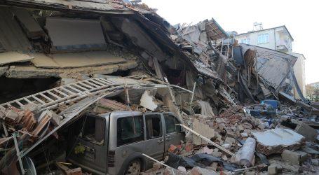 Najmanje 22 mrtvih, 1000 ozlijeđenih u potresu u Turskoj