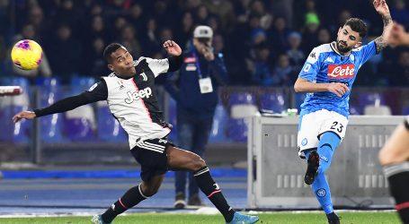 Napoli srušio Juventus, rimski derbi bez pobjednika