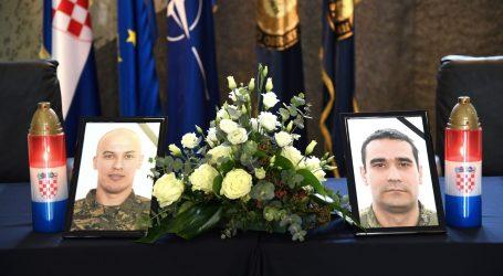 MORH: Otvorene Knjige žalosti za poginule pilote HRZ-a Baturinu i Klarina