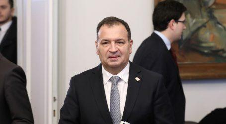 KORONAVIRUS: Beroš s glavnim državnim inspektorom, te ministrima unutarnjih poslova i obrane