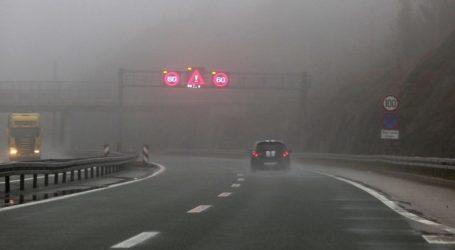 Magla smanjuje vidljivost, požar na vozilu na A3 kod Babine Grede