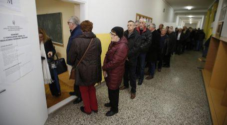 Birači u Mostaru i dalje u redovima čekaju na glasanje za predsjednika Hrvatske