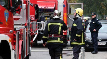 Više požara u zagrebačkim Gajnicama, oštećena tri automobila