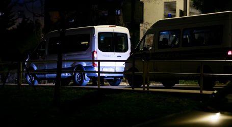 Otac jednog od ubijenih mladića sinoć je demolirao lokal, policija ga svladala silom