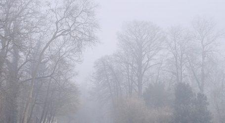 Magla i niski oblaci, moguć i slab snijeg