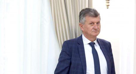 Nezadovoljne tvrtke optužuju Kujundžića da je namjestio nabavu CRP uređaja za otoke