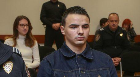 Splita, 25-godišnjeg muškarca iz Murtera i 20-godišnje žene iz Splita podnesene su kaznene prijave zbog.