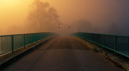 Na cestama ima magle i poledice, jak vjetar otežava promet