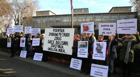 'Prijatelji životinja' ispred MUP-a radi zabrane petardi i redenika