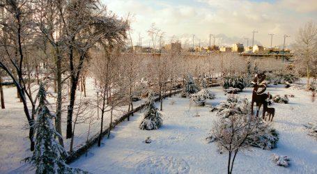 Zbog obilnog snijega u Teheranu zatvorene škole
