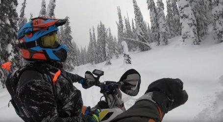 VIDEO: Uživanje u vožnji snowbikea i snowmobilea