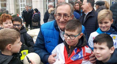 Umažani dočekali svoju rukometnu ikonu – izbornika Linu Červara