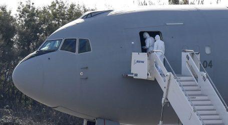 Putnik lagao da ima koronavirus i prisilio kanadski avion da sleti