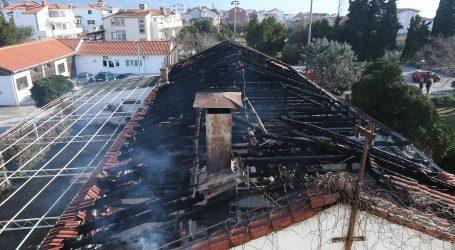 Uzrok požara u Kaštel Štafiliću plamen u kontejnerima