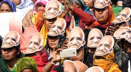 U nasilnim prosvjedima protiv zakona o državljanstvu u New Delhiju sedmero mrtvih