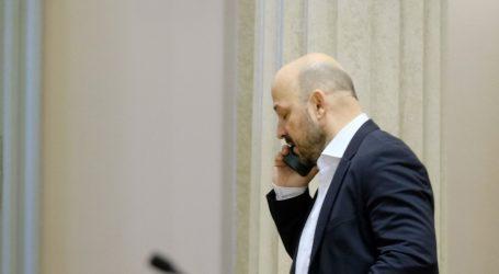 """Maras (SDP): """"200.000 građana se iselilo""""; Perić (HDZ): """"Iseljavanje se smanjuje"""""""
