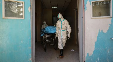 U Kini novih 114 smrtnih slučajeva od koronavirusa, ukupno više od 2.100