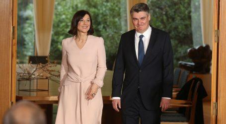 Grabar-Kitarović i Sanja Musić Milanović u elegantnim i damskim izdanjima na inauguraciji