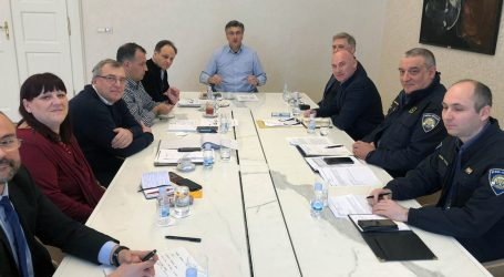 Plenković se sastao s Kriznim stožerom Ministarstva o prevenciji širenja koronavirusa