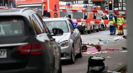 DETALJI NAPADA U NJEMAČKOJ: Zabio se u karnevalsku povorku, ozlijeđene 52 osobe