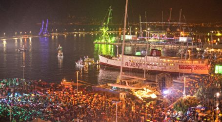 PRIJESTOLNICA KULTURE: 'Opera industriale' na gatovima Riječke luke okupila 20.000 gledatelja