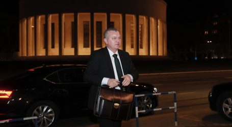 HORVAT 'Moj izbor je Plenković, nerealno je očekivati Karamarkov povratak'