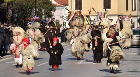 Gotovo tisuću maskiranih na 6. Pulskom karnevalu