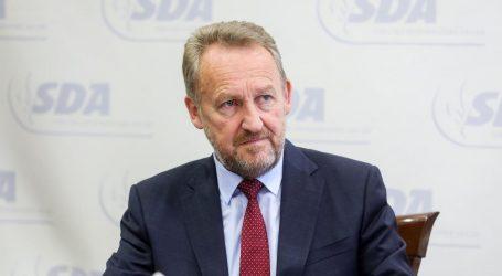"""KRIZA U BIH: Izetbegović poručio da će """"čvrsto"""" odgovoriti na Dodikove prijetnje"""