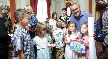 Grad Zagreb započeo s isplatama novčane naknade za novorođenu djecu