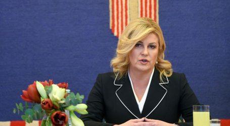 Grabar-Kitarović zatražila je Ured, dobit će i vozača te dva službenika